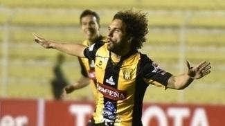 Martelli celebra gol do The Strongest na Libertadores