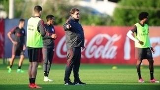 Guto Ferreira comanda treino do Internacional