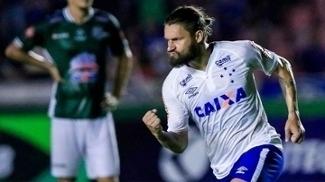 Rafael Sóbis comemora gol na vitória do Cruzeiro sobre o Uberlândia