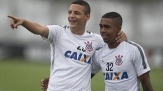 Sem o parceiro Malcom (esq), Arana virou agora realidade no Corinthians