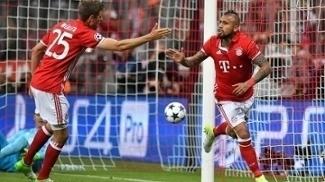Vidal comemora o gol que abriu o placar na Alemanha