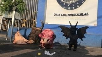 Peças utilizadas pela bruxa Zulema durante sua limpeza nas instalações do Cruz Azul