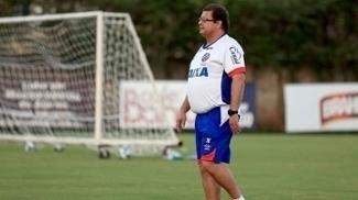 Guto Ferreira foca na parte tática e nas bolas paradas antes de visita ao Sport