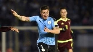 Cristian Rodríguez desfalcará o Uruguai contra Irlanda e Itália