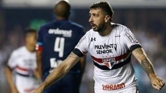 Pratto comemora gol do São Paulo contra o São Bento