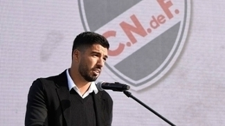 Luis Suárez começou sua carreira no Nacional-URU