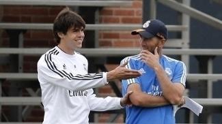Kaka e Zidane trabalharam juntos no Real Madrid em 2013, quando o primeiro era jogador e o segundo, assistente da comissão técnica