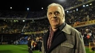 Alfio 'Coco' Basile foi comanda o Boca Juniors em 2009