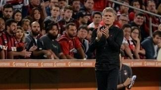 Paulo Autuori comanda o Atlético-PR na Libertadores