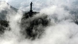 O esporte visto de cima - Com o Maracanã ao fundo, Cristo Redentos abençoa os Jogos Olímpicos do Rio de Janeiro