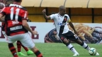 Rodrigo durante clássico contra o Vasco