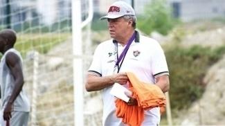 Abel Braga durante treinamento do Fluminense