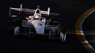 Com recorde, Castroneves faz a pole position da etapa de Phoenix da Indy