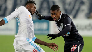 Malcom, do Bordeaux, em ação contra o Olympique de Marselha