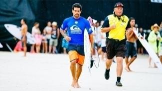 Italo Ferreira perderá duas próximas etapas do Mundial de surfe