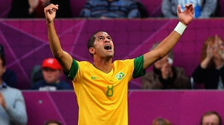 Rômulo voltará a defender a seleção brasileira após o corte de Fernandinho
