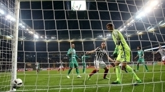 Werder Bremen e Frankfurt empataram