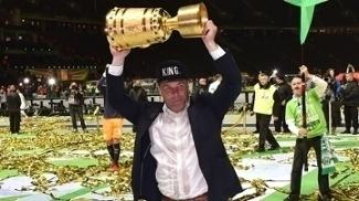 Hecking foi campeão da Copa da Alemanha com o Wolfsburg em 2015