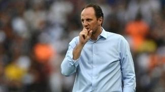 Ceni vê evolução, diz que gosta do trabalho e tem vaga na Copa Libertadores como meta