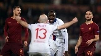 Mouctar Diakhaby abriu o placar para o Lyon contra a Roma