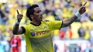 Lesões e briga com Lewandowski tiraram Lucas Barrios do Dortmund