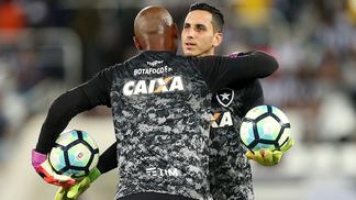 Apesar da volta de Jefferson, Gatito Fernandez segue titular do Botafogo