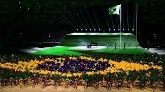 Maestro João Carlos Martins tocou hino brasileiro na abertura dos Jogos Paralímpicos