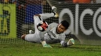 Sem reservas no gol, Keiller critica impossibilidade de inscrições no Gaúchão