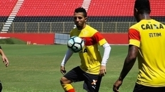 Vitória treina no Barradão antes de enfrentar o Paraná