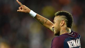 Neymar brilhou na primeira aparição com a camisa do PSG no Parque dos Príncipes