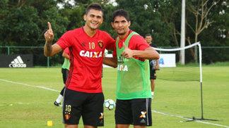 Igor Ribeiro e Durval durante treino do Sport