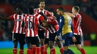 Southampton comemora gol que abriu o placar 1b3e3d9e9138f
