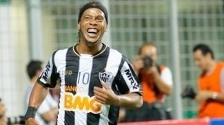 Ronaldinho Gaúcho virou embaixador do Barcelona