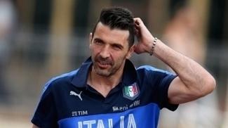 Vice da Champions, Buffon está de volta ao gol da seleção italiana