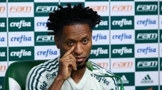 O lateral Zé Roberto prega concentração contra o Tucumán