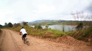 Pedal pela represa de Atibaia
