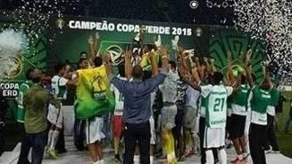 Após levar 4x1 na ida, o Cuiabá faturou a Copa Verde ao fazer 5x1 na volta nesta 5ª. Assim como esta, relembre outras viradas incríveis no mata-mata