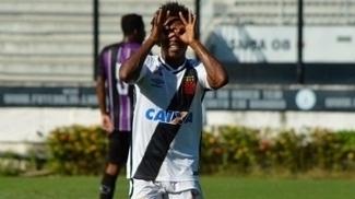 Paulo Vitor e a sua comemoração a cada gol pelo Vasco em 2017