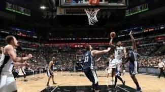 Spurs batem Grizzlies em casa e ficam a uma vitória de avançar nos playoffs