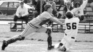 Tom Brady como catcher na escola