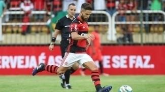 Diego durante jogo do Flamengo contra o Vasco