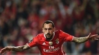 Mitroglou brilhou na vitória do Benfica nesta sexta-feira