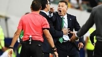 Juan Carlos Osorio perdeu o controle durante jogo da Copa das Confederações