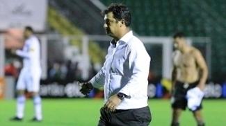 Técnico Marquinhos Santos, do Figueirense, após o empate sem gols com o Grêmio