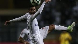 Thiago Maia durante o empate do Santos com a Ponte Preta, no último sábado