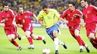 Denilson Brasil Turquia Copa do Mundo 2002 26/06/2017