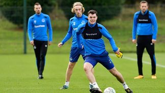 Michael Keane durante treino do Everton