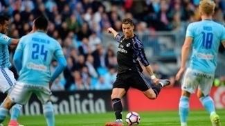 Cristiano Ronaldo fez um belo gol de esquerda