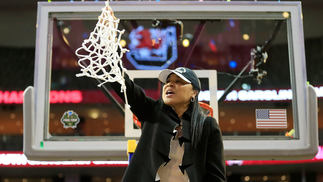 Dawn Staley, técnica do Gamecocks, recusou convite de Donald Trump