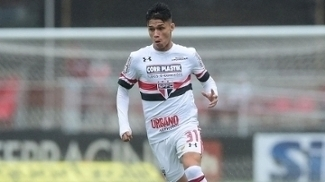 Luiz Araújo durante jogo do São Paulo